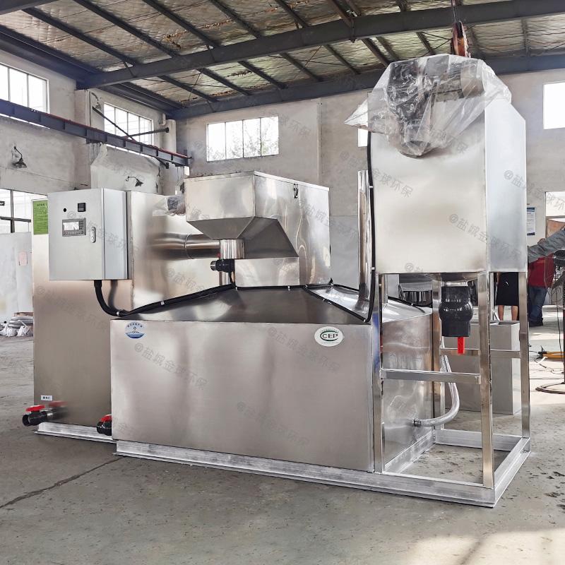 泰安工业油水分离器提升设备的优点